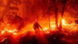 Faltan recursos para apagar incendio en sierra de Nuevo León