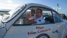 ¿Qué está haciendo Felipe Calderón en la Fórmula 1?