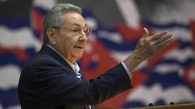 Cuba se abre a una era poscastrista en medio de la peor crisis económica en 3 décadas