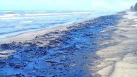 Cierran playas de Paraíso, Tabasco, por derrame