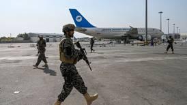 Talibanes buscan 'llevarla en paz' con EU e inician el desafío de gobernar en Afganistán