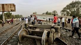 Se descarrila tren en Egipto; fallecen 11 personas