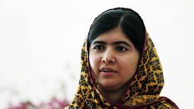 Malala regresa a Pakistán luego de ser atacada en 2012