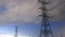Ven alza de electricidad en el invierno por altos costos de gas natural