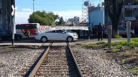 Maestros expanden bloqueos ferroviarios en Michoacán ante la falta de pagos