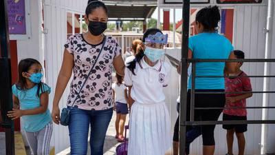 AMLO enviará informe a jueces que otorgan amparos para vacunar a menores vs. COVID