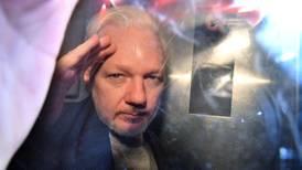 EU señala a Assange de conspiración con hackers de Anonymous