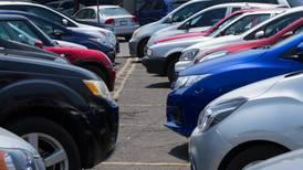 Roban más autos asegurados a mujeres; color blanco y miércoles, los preferidos por la delincuencia
