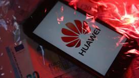 ¡Alerta en Huawei! Ejecutivo afirma que se están quedando sin chips para fabricar celulares