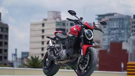 Ducati Monster, probamos esta Bella Machina: precios, equipamiento y prueba de manejo