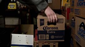 Mientras México se queda sin 'chelas', Constellation Brands continúa elaborándolas para EU