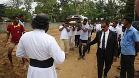 Gobierno de Sri Lanka corrige a 253 cifra de muertos por ataques