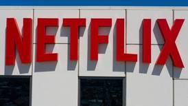 ¿Buscas trabajo? Netflix y Disney están a la caza de talento mexicano