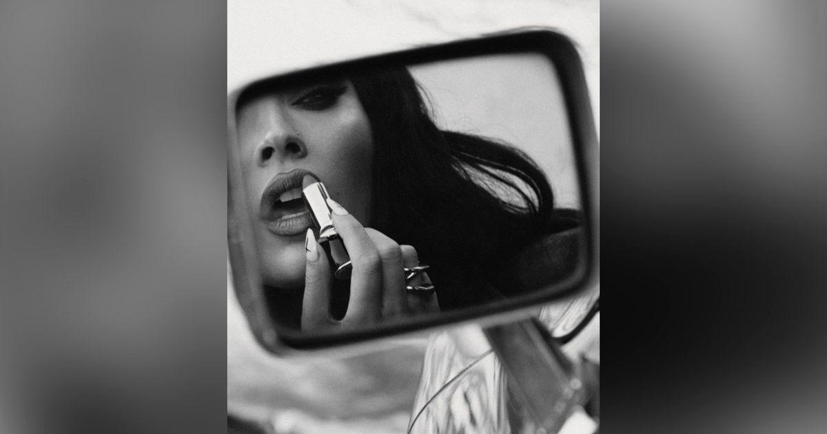 ¿Qué es la dismorfia corporal, la enfermedad que padece Megan Fox? – El Financiero