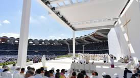 Papa Francisco oficia histórica misa en la Península Arábiga