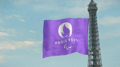 París toma el relevo de los Juegos Paralímpicos con 'La Marsellesa' en lengua de signos