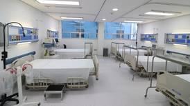 Gobierno dispondrá de 3,300 camas de terapia intensiva gracias a 'contrato solidario' con hospitales privados
