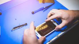 Europa aprueba el 'derecho a reparar': sin trabas para arreglar dispositivos y etiquetas de tiempo de vida