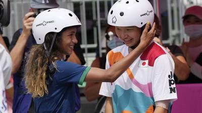 'Patina como niña': ellas arrasan en el skate y llegan a la cima en Tokio 2020
