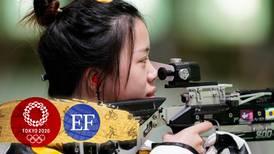 ¡Cayó la primera medalla de oro de Tokio 2020! Qian Yang gana la presea en tiro con rifle