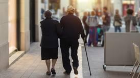 ¿Puedo recibir apoyo extra en mi pensión si tengo familiares que dependan de mí?