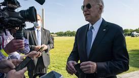 Biden ordena a espías investigación para conocer 'de una vez por todas' el origen del COVID