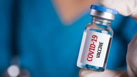 ¿Con qué vacunas aprobadas por la OMS te permitirán entrar a EU?
