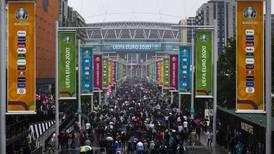 COVID va a 'hacer su agosto' por aglomeraciones en la Eurocopa 2020: OMS