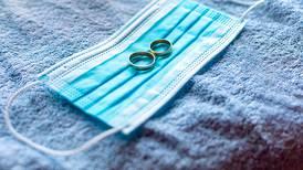 Peor que los villanos de telenovela: el COVID 'arruinó' el 90% de las bodas en 2020