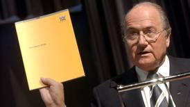 FIFA vuelve a suspender a Joseph Blatter por irregularidades financieras