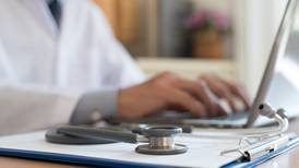 ¿Vas a iniciar tu especialidad en Medicina? Lánzate a Cuba con esta beca de 1,100 dólares mensuales del Conacyt