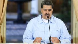 Eventual bloqueo a Venezuela muestra 'desesperación' de Trump: Maduro