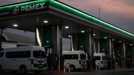 Con todo y 'fuego en el mar', bonos de Pemex suben gracias a respaldo de AMLO
