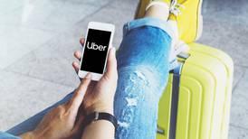 ¿Cuánto me costaría llegar en Uber al aeropuerto de Santa Lucía?
