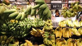 ¿Por qué la clase media en China está 'enloquecida' por los plátanos?