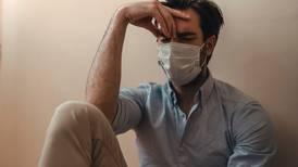 ¿Los trastornos neuropsiquiátricos causados por COVID empeoran con el tiempo?