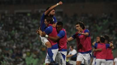 Cruz Azul, a un 'pasito' de romper la maldición: derrota 1-0 a Santos