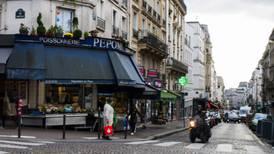 Macron anuncia toques de queda en Francia para reducir la propagación del COVID-19