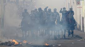 Gobierno de AMLO condena uso de la fuerza en crisis en Ecuador