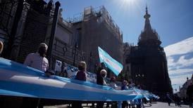 Senado de Argentina aprueba reforma judicial; oposición acusa que blindará a Cristina Fernández