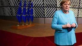 Merkel: Unión Europea también debe establecer un diálogo con Putin como lo hizo Biden