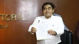 Barbosa se registra como candidato de Morena a la gubernatura de Puebla