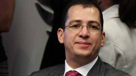 Magistrado Vargas contraataca: presenta controversia ante la Corte tras destitución