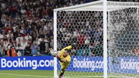 Gianluigi Donnarumma, héroe italiano de la Euro, ficha por el PSG