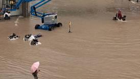 Henan, la 'ciudad del iPhone' en China, evacúa a 100,000 personas por inundaciones mortales