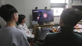 Corea del Sur celebra el triunfo de 'Parásitos' en los Oscar mientras combate el coronavirus