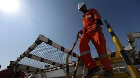 OPEP y aliados acuerdan alza de producción petrolera tras dos turbulentas semanas
