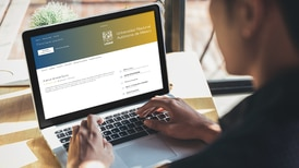 ¿Ya te titulaste? La UNAM lanza curso gratuito para que acabes tu tesis en seis meses