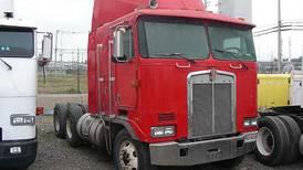 Afecta importación de vehículos pesados usados