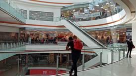 Malls mexicanos 'apocalípticos': abundan locales vacíos, aunque aumentan clientes